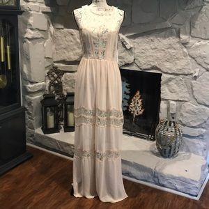 ASTR Lace Maxidress NWT